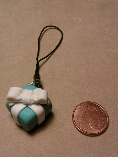 Phonestrap mini pacchetto regalo stile Tiffany fimo