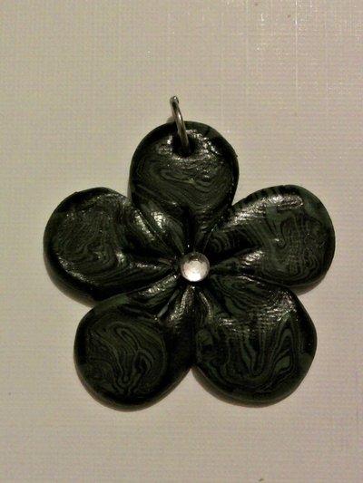 Ciondolo fiore sfumato fimo