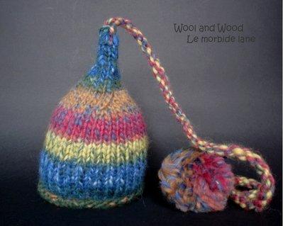 Cappellino neonato con pon pon lunghissimo