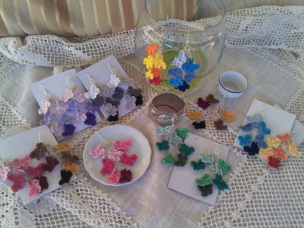 Orecchini con farfalline ad uncinetto in cotone