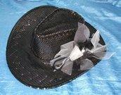 Cappello da cowboy (decorazione handmade tulle-rete-piume)