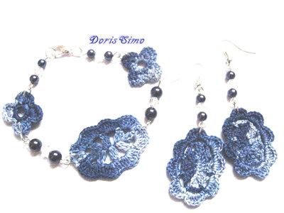 parure in blue