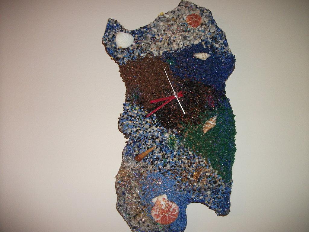 Sardegna con orologio da parete