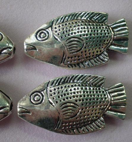 4 Perline Pesce Argento Tibetano