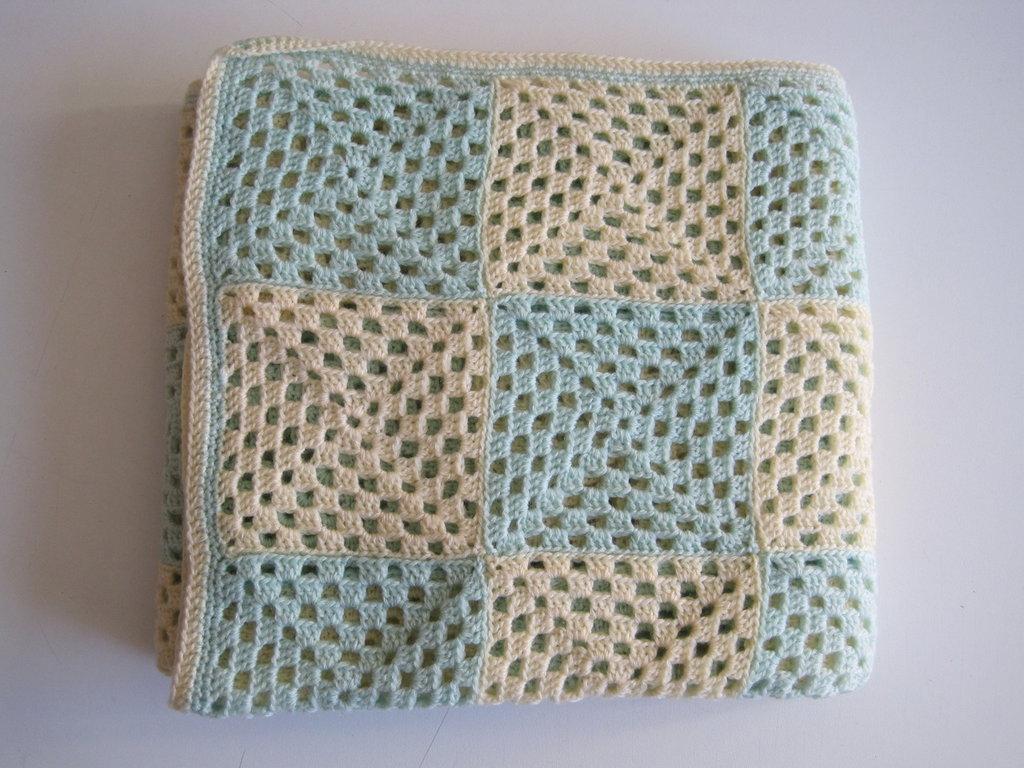 Coperina neonato crochet