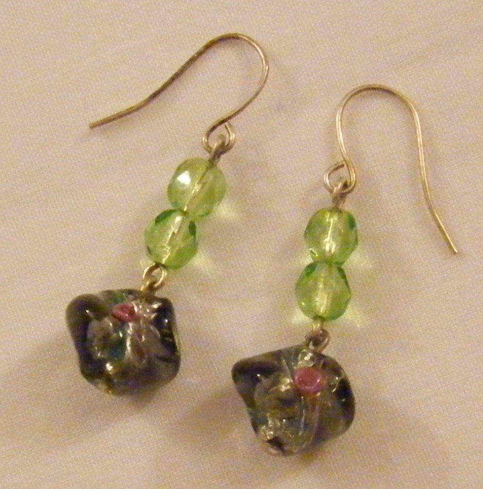 orecchini pendenti con cristallo e vetro di murano, fatti a mano