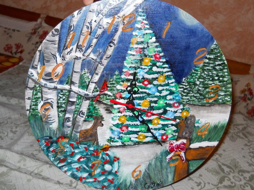 Orologio in legno dipinto a mano