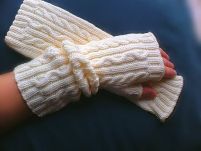 Elegant Natural White Fingerless Pure New Wool Mittens