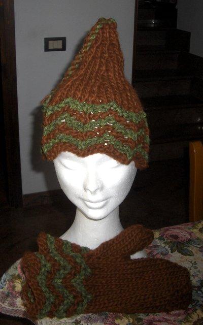 Completo berretto guanti muffole artigianali - Handmade cap and mittens outfit