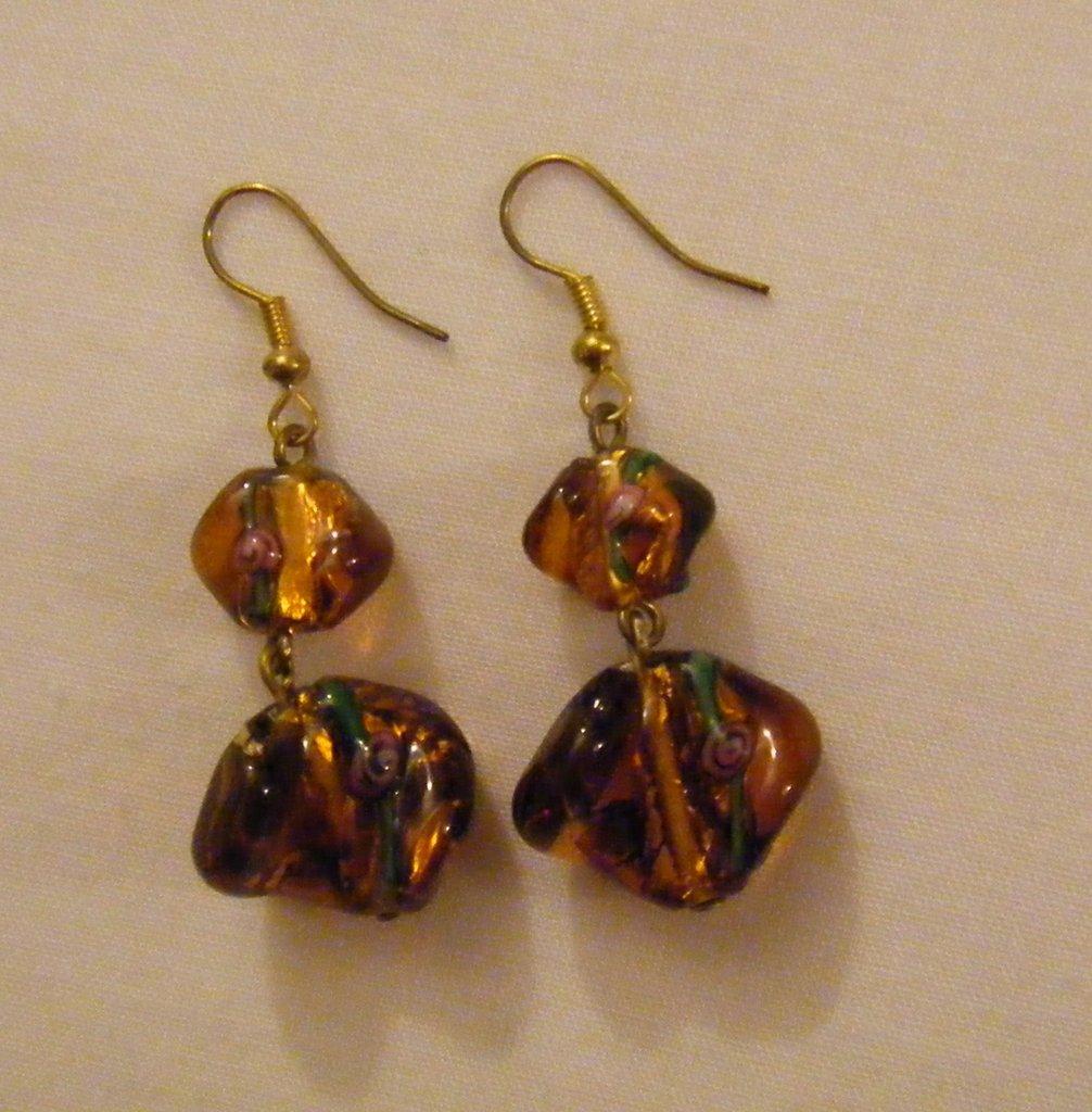 orecchini pendenti con vetro di murano fatti a mano