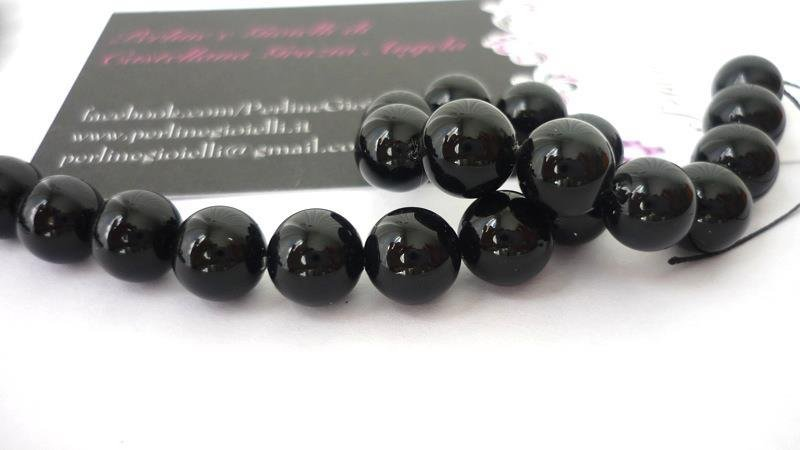 """Perle d'allevamento, grado di purezza """"A"""", round Black.  Diametro: 8 mm.  Confezione da 10 pezzi 2,40 euro."""