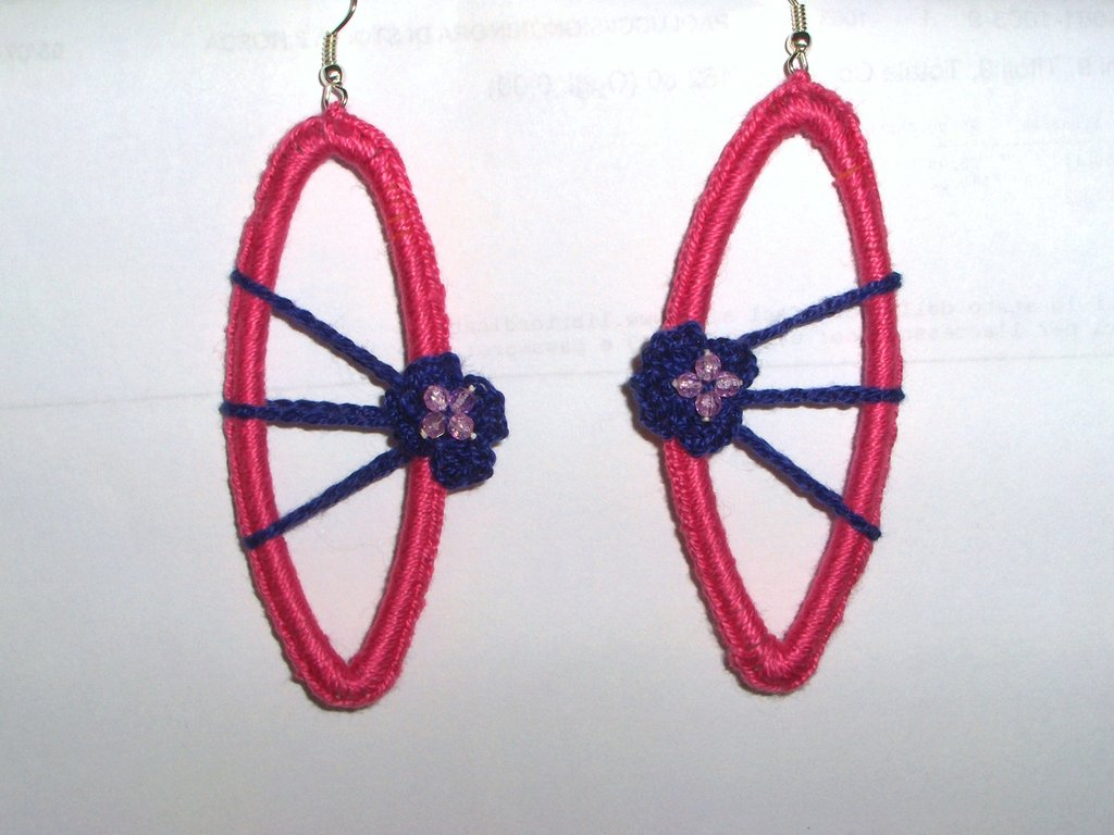 Orecchini realizzati a mano con l'uncinetto - handmade crocheted earrings