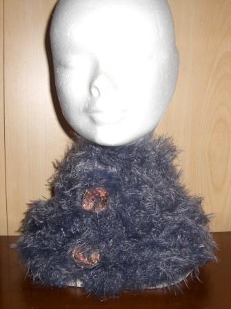 Berretto o scaldacollo da donna o bambina realizzato ai ferri