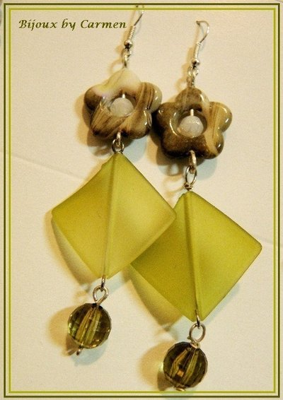 orecchini fiori e rombi verdi