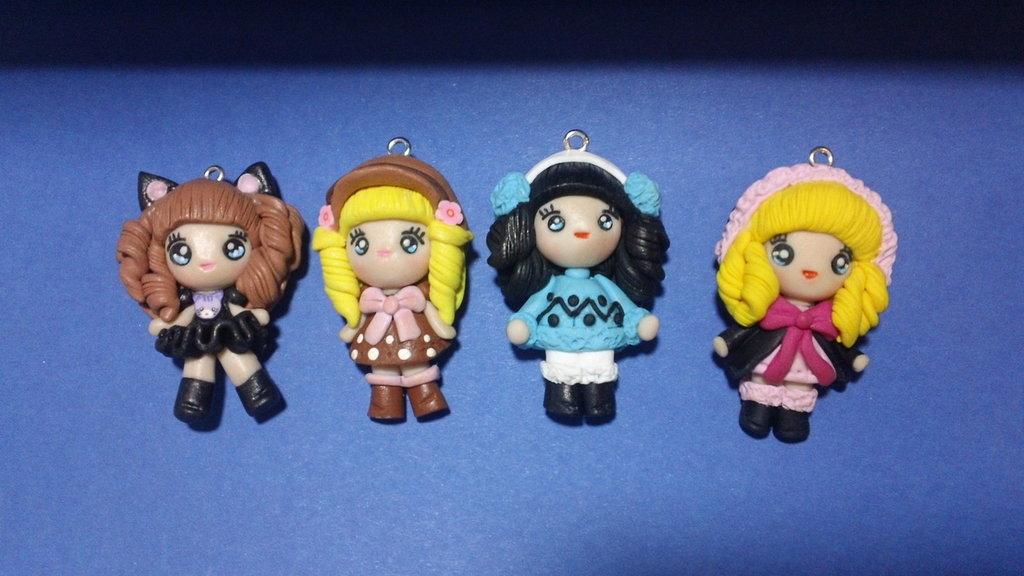 4 bamboline ciondoli in fimo