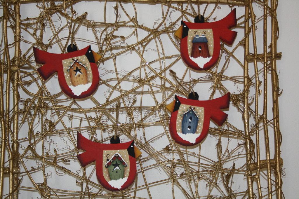 decorazioni in legno dipinte a mano