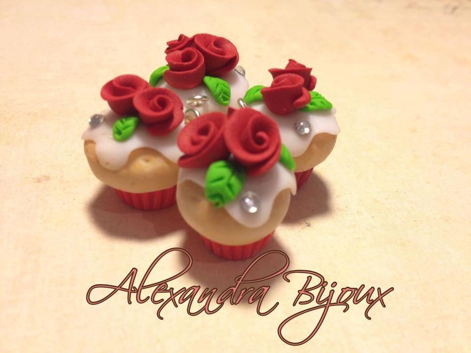 Ciondolo cup cake con roselline