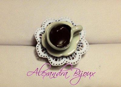 anello con tazzina di caffè