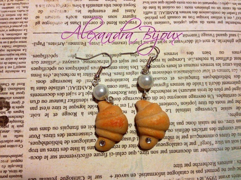 Orecchini cornetto con perla
