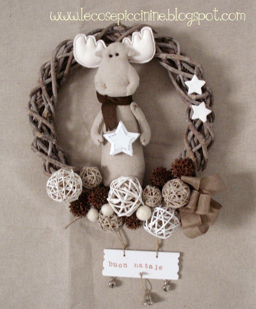 Ghirlanda natalizia con alce feste natale di le cose - Corone natalizie da appendere alla porta ...