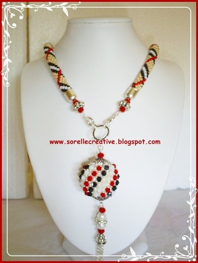 Burberry style crochet ciondolo collana natale