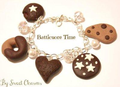 Bracciale con ciondoli charms pan di stelle batticuore mooncake abbracci gocciole