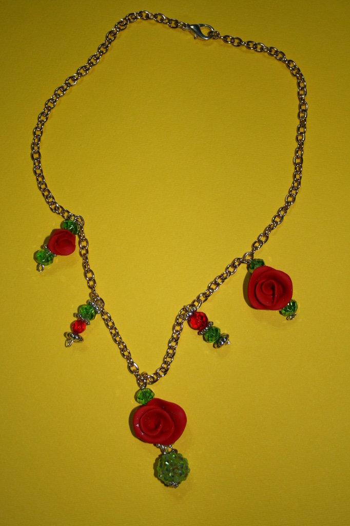 cod 00032 collana con rose