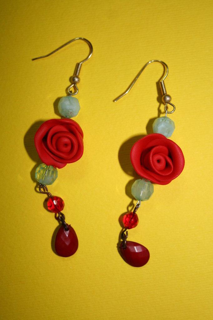 cod. 00037 orecchini con rose