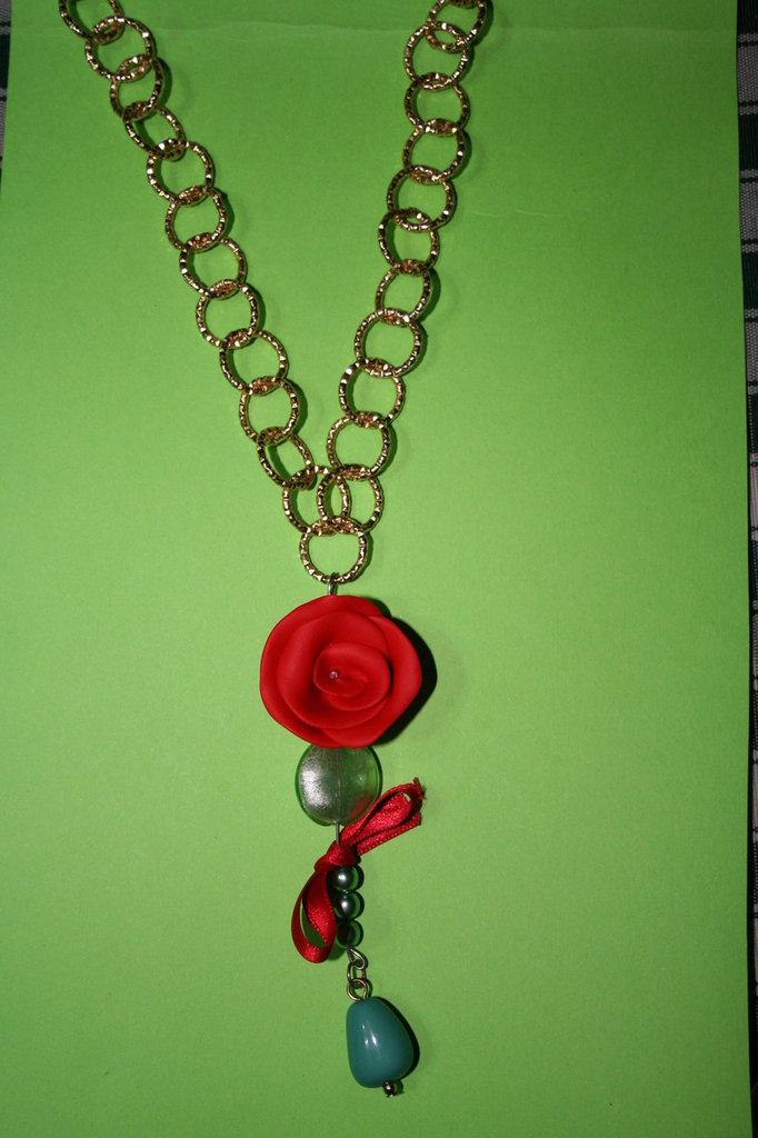 cod. 00002 collana con rosa e pietre dure
