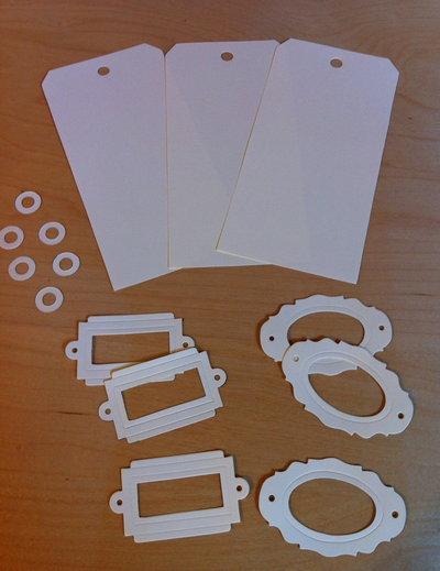 Tags & Bookplates in cartoncino fustellato