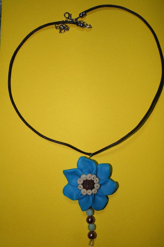 cod. 00029 collana floreale