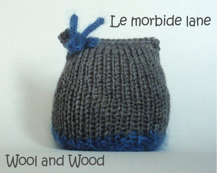 Cappellino quadrato per neonata 3/6 mesi