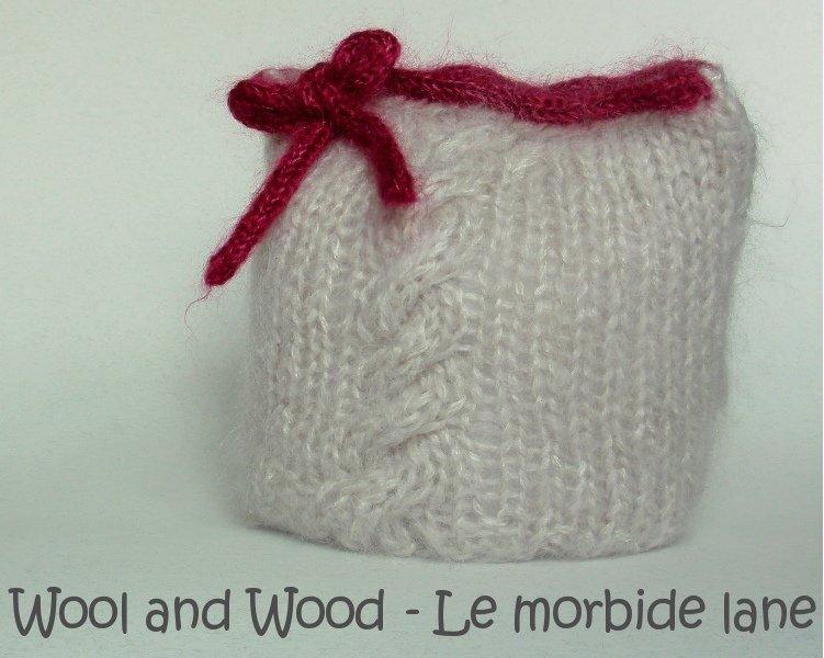 Cappellino quadrato per bambina 6/12 mesi