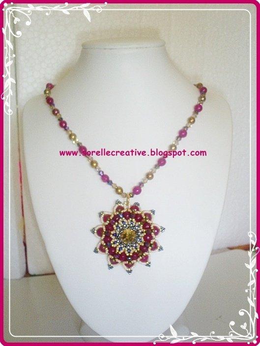 Collana Granada con giade fuxia perline ciondolo