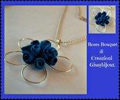"""Collana con ciondolo fiore blu azzurro """"bouquet di roselline"""" in fimo fatto a mano"""