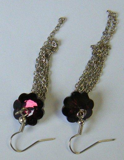 orecchini pendenti con catene e fiore rosso,viola e griggio