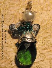 Angeli con gocce di vetro verdi