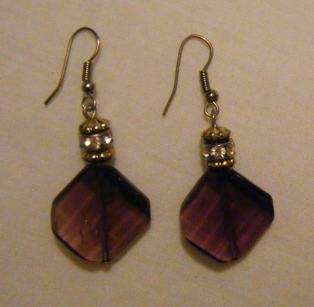 orecchini pendenti con componenti perle in vetro e strass,fatti a mano