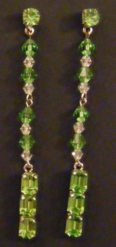 orecchini pendenti con cristalli e strass
