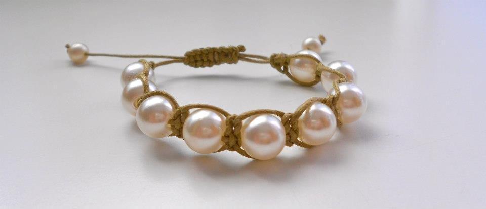 Bracciale perle e macramè