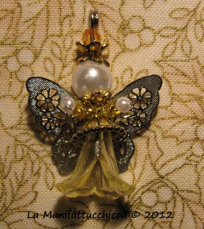Angeli con perle a fiore 002