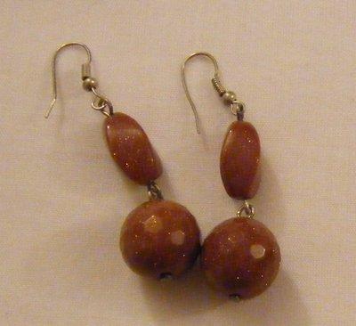 orecchini pendenti con pietre dure pietre della luna ,fatti a mano