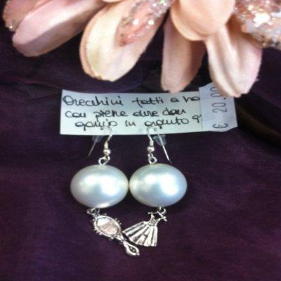 Orecchini perle e ciondoli
