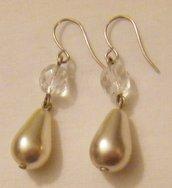 orecchini pendenti con perla a gocce in vetro e mezzo cristallo