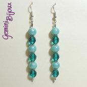 Orecchini lunghi perle azzurre e sfaccettate turchese