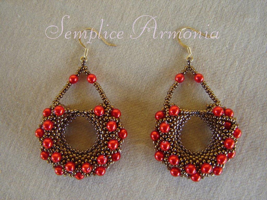 Orecchini peyote bronzo con perle rosse