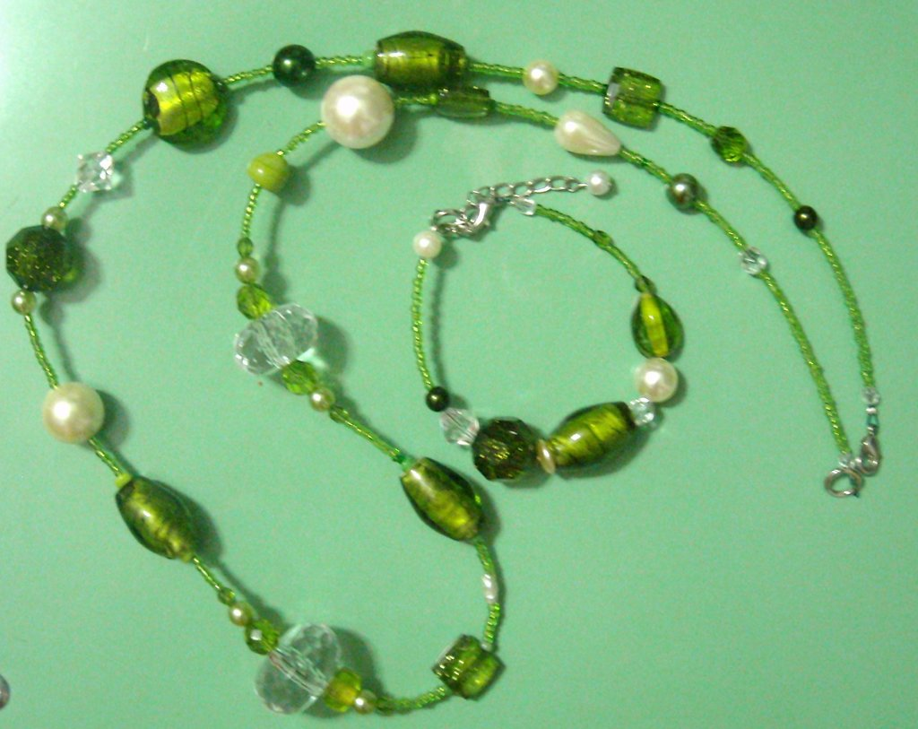 lunga collana verde