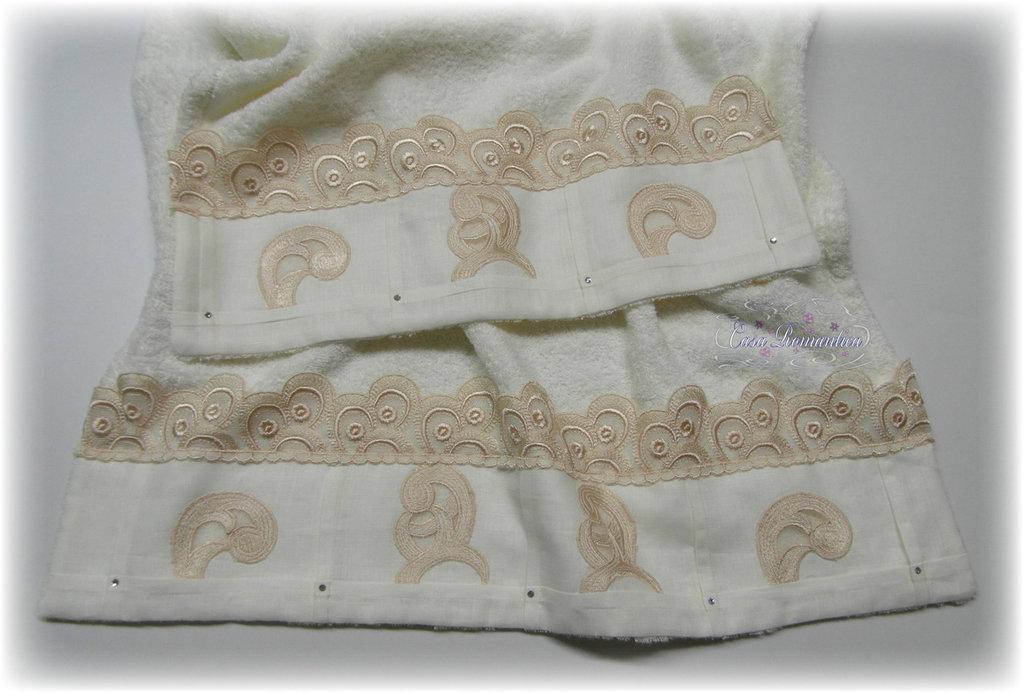 Set asciugamani con pizzo macramè