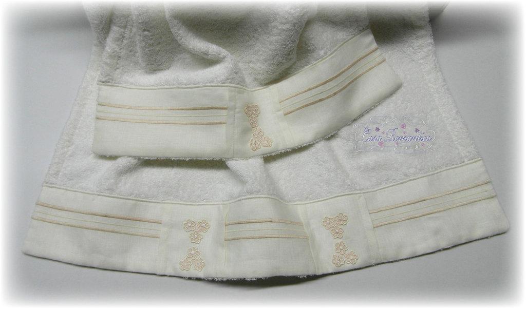 Set asciugamani con balza lino