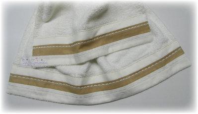 Set asciugamani con ricamo